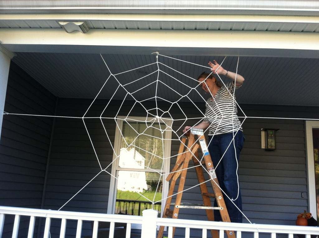 how to make a halloween rope spider web