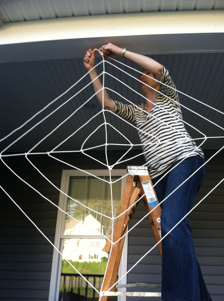 DIY Big Rope Spider Web for Halloween