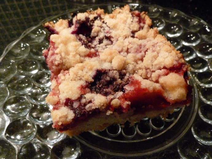 Mixed-Berry Crumb Bar