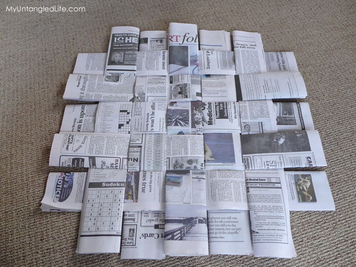 Weaving newspapers for situpon pad